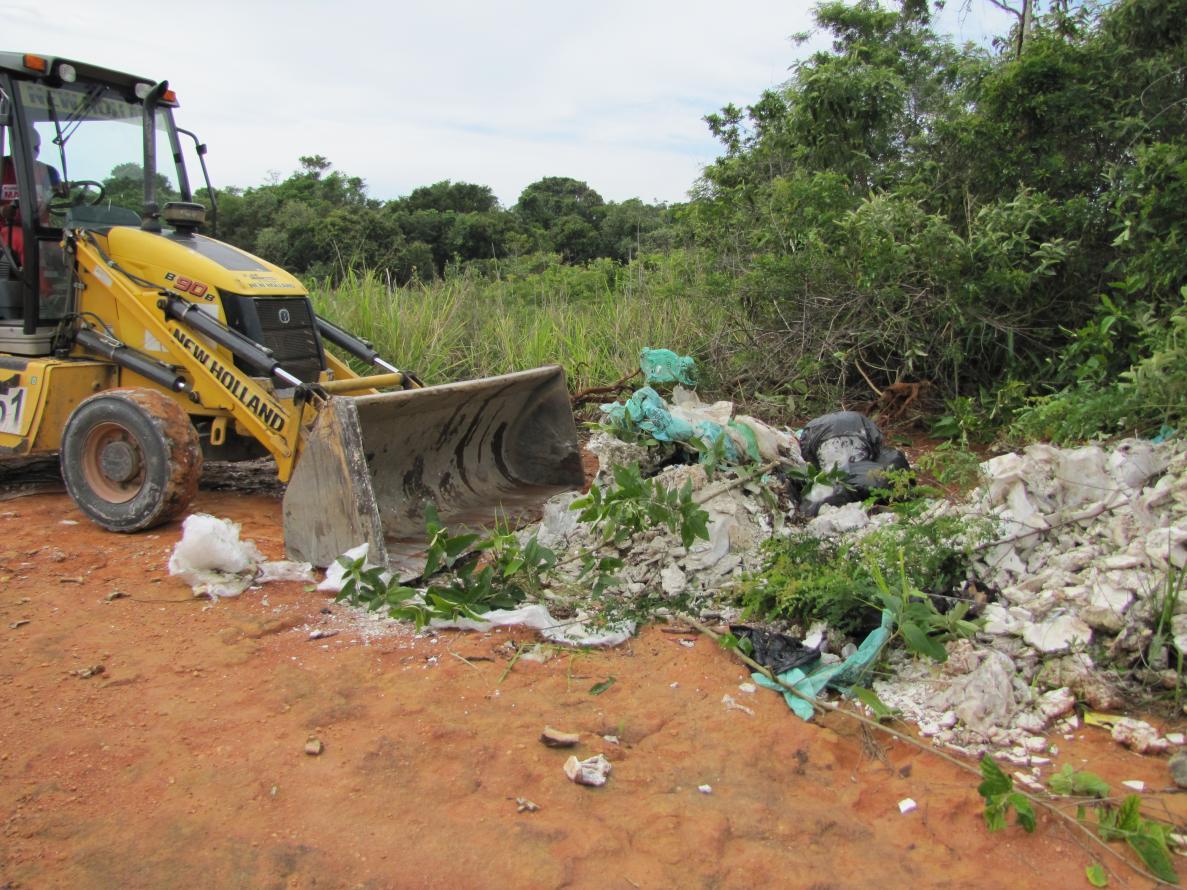 INEA e Prefeitura removem 20 toneladas de lixo da faixa de restinga da Área de Proteção Ambiental de Maricá