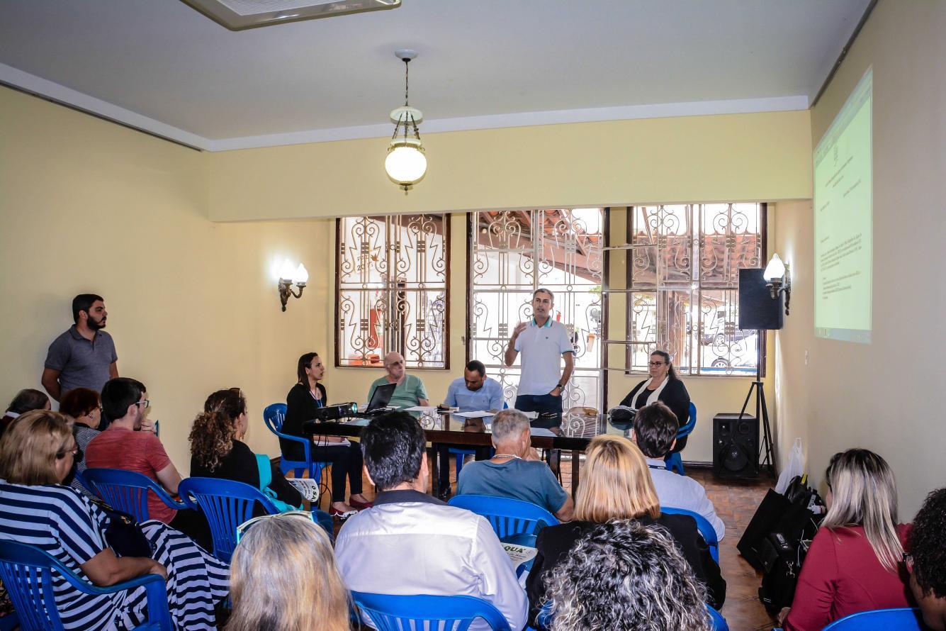 Comitê se reúne e assina contrato para preservação de ecossistema em Iguaba