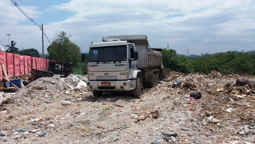 Inea deflagra operação para reprimir construções irregulares na Baixada Fluminense