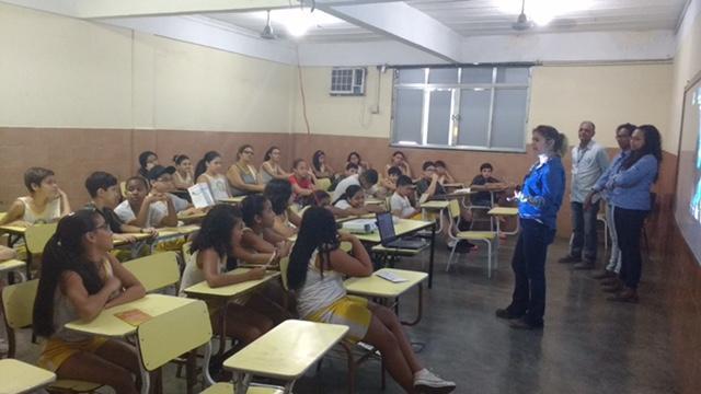 Benefícios do saneamento são tema de palestra no Centro Educacional Soares Herdy