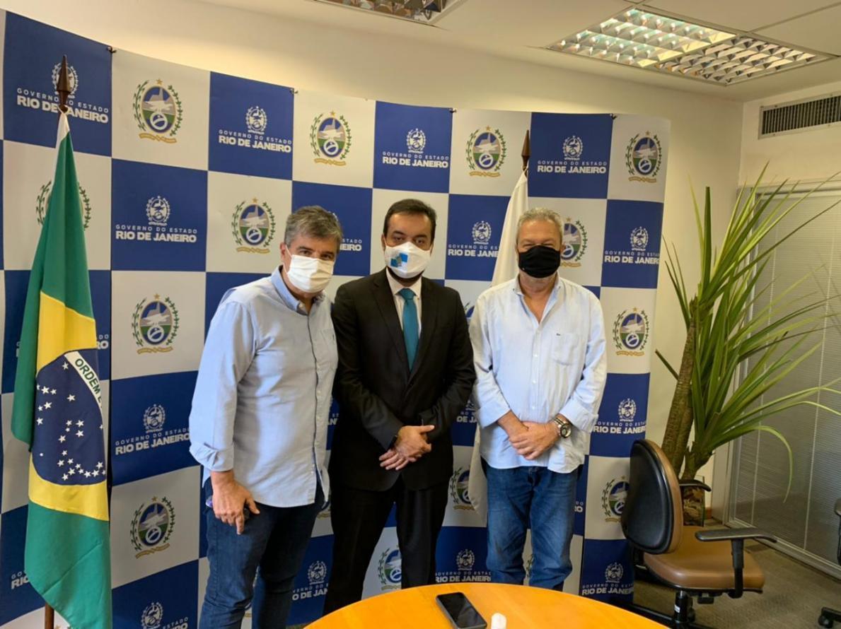 Nesta quinta-feira, 25 de março, o Prefeito de Cantagalo, Guga de Paula esteve reunido com o Governador do Estado do Rio de Janeiro, Cláudio Castro. Também esteve presente na reunião, o Deputado estadual André Corrêa.