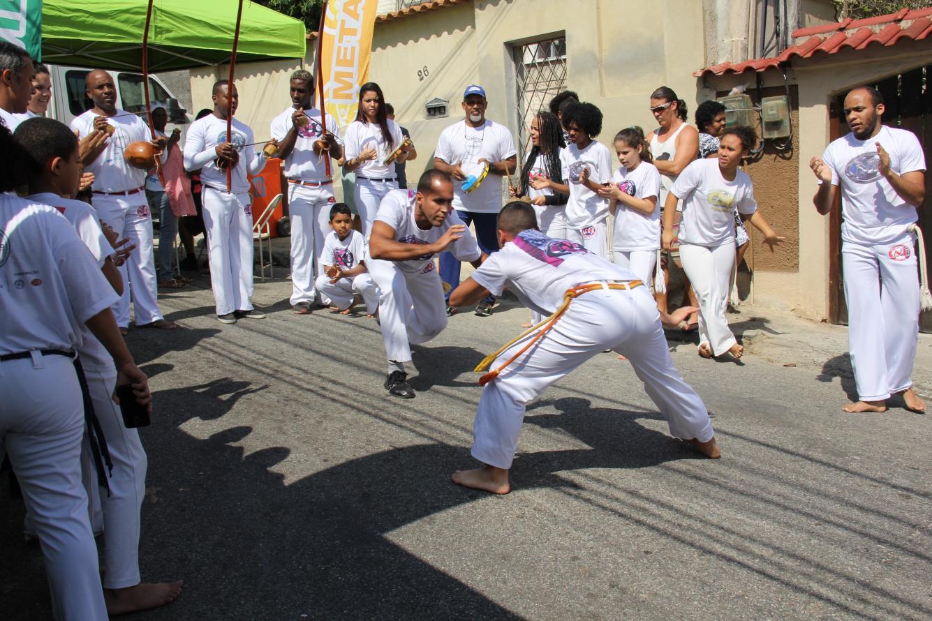 Cidadania Ambiental leva reciclagem e educação ambiental para moradores de Quintino