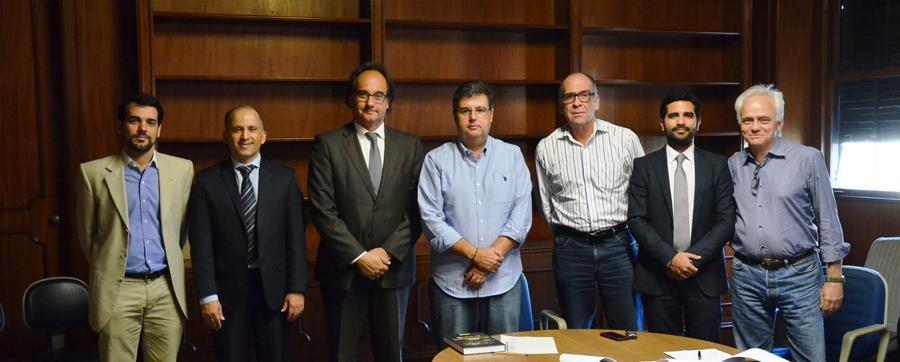 André Corrêa assina acordo de cooperação técnica por maior controle ambiental da Baía de Guanabara