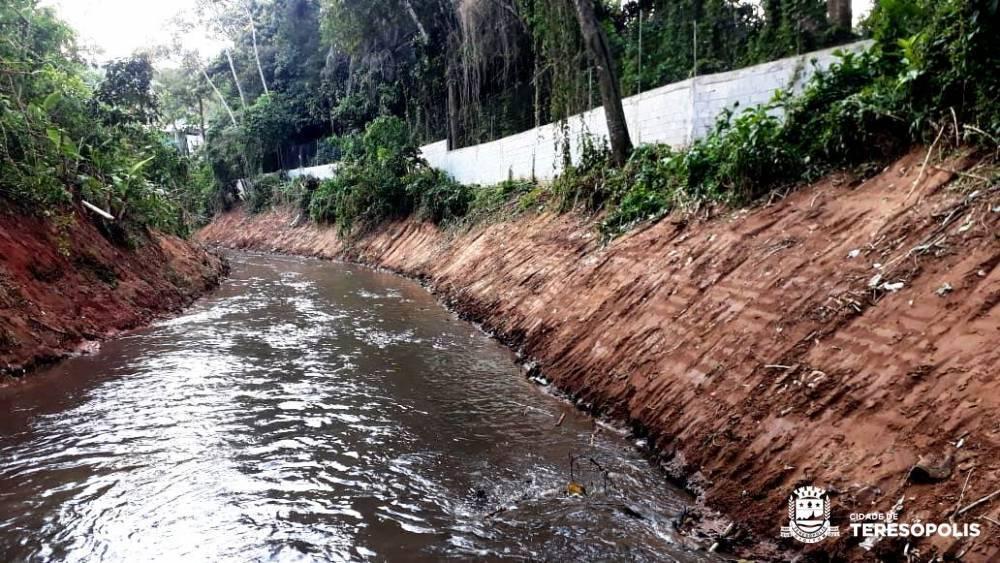 LIMPEZA DO RIO PAQUEQUER NA ETAPA FINAL
