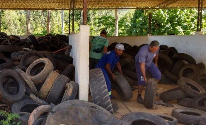 Secretaria Estadual do Ambiente recolhe toneladas de pneus usados no Norte Fluminense